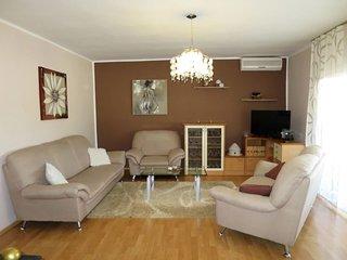 Filipana Holiday Home Sleeps 6 with Pool Air Con and Free WiFi - 5650626