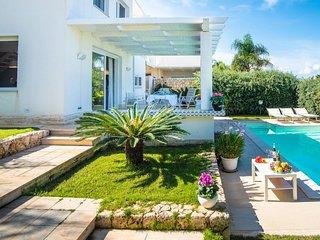 3 bedroom Villa in Alcamo Marina, Sicily, Italy : ref 5083154