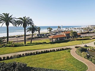 Del Mar Delight w/ Ocean Views + Walk from Doorstep to Sand in 7 Minutes!