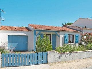 2 bedroom Villa in La Tranche-sur-Mer, Pays de la Loire, France : ref 5448148