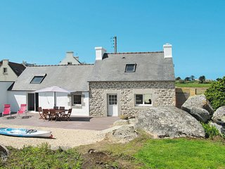 3 bedroom Villa in Saint-Égarec, Brittany, France : ref 5649855