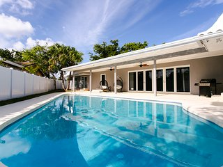 Gorgeous 6BR/6BA house with pool, Hollywood FL