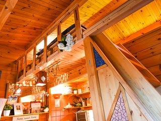 Garden Paradise Romantic Cabin