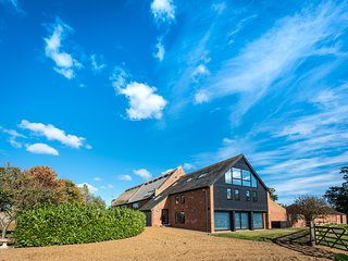 Thatched Barn  - Luxurious property close to the Broads, the Coast and Norwich
