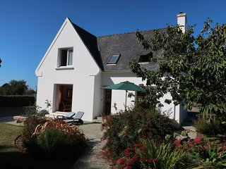 3 bedroom Villa in Plougrescant, Brittany, France : ref 5649943