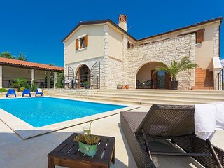 4 bedroom Villa in Čabrunići, Istria, Croatia : ref 5557706