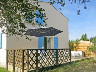 2 bedroom Villa in Saint-Laurent-Bretagne, Nouvelle-Aquitaine, France : ref 5650