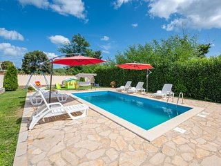 4 bedroom Apartment in Muntrilj, Istria, Croatia : ref 5559438