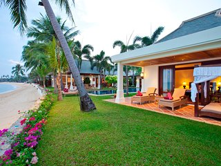 DIVINE BEACHFRONT LUXURY