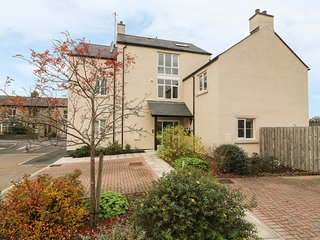 5 OLD LAUNDRY MEWS, open-plan, Ingleton