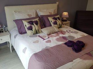 'Notre Bastide' chambre violette