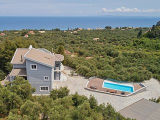 Mont Blue-5 bedrooms Luxury Villa