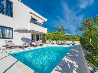 Villa Ana****luxury wellness villa with heated pool