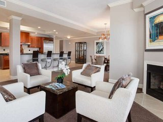 Upscale 4 Bedroom Amazing Gulf & Harbor Views From Balcony Boat slip included. F