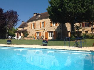 LA BOUFFARDINE - COMFORTABLE STONE HOUSE WITH PRIVATE POOL, GARDEN AND VIEWS