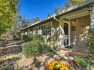 NEW! Placerville Country Home- 1/4 Mi. to Apple Hill
