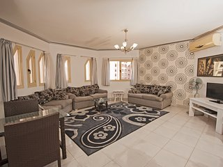 310 - Perfect location for Mamsha. Regency Towers, Hurghada