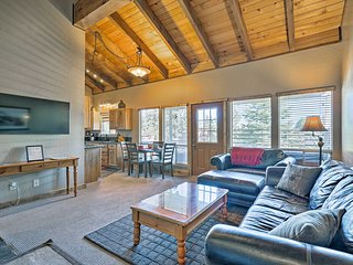 NEW-Ski-in/Ski-out Stateline Condo w/Pool, Hot Tub