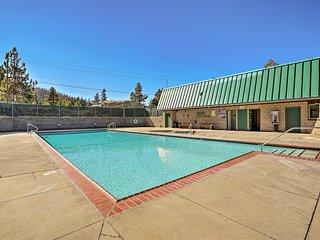NEW-Ski-in/Ski-out Stateline Condo w/Pool, Hot Tub