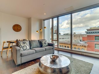 NEW LISTING! Sleek, dog-friendly condo w/ sweeping city views - great location!