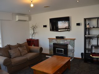 COZY HOME AUCKLAND - WHOLE HOUSE - FURNISHED