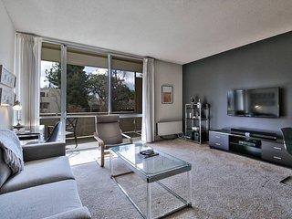 Clean & Huge 1BR - Prime Palo Alto!
