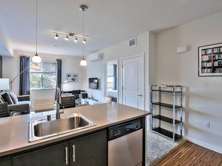 Huge San Mateo 2BR/2BA #UrbanFlat - WiFi & Parking