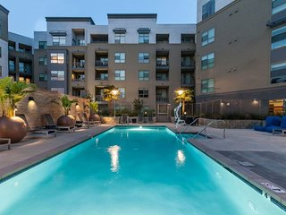 Luxury Fully-Furnished UF in Prime Downtown RWC