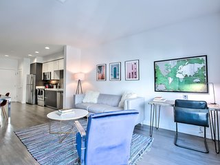 #EXPERIENCEDIFFERENT - Modern 1BR Urban Flat