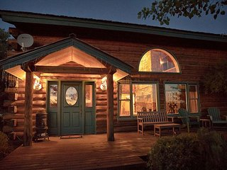 Teton Valley Estate - 6 Bedrooms.  Discounted Targhee Passes.  Sleeps 12!