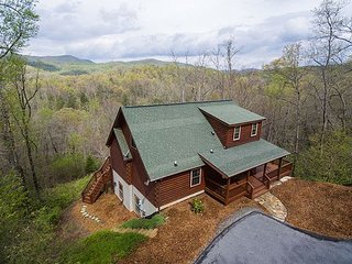 Blue Bear Cabin | 3 BR Asheville Area | Mountain Views | Gas Fireplace