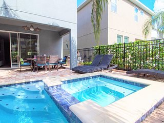 Special Home - 8Bd Pool, Spa and Grill
