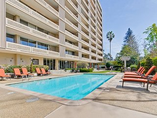 Brand New 1BR/1BA Urban Flat - Minutes to Stanford