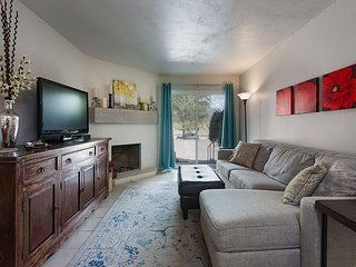 Completely Remodeled Condo - 2 Miles to downtown Durango - 30+ Day Min. Stay