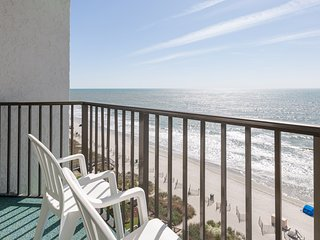 Dog-Friendly Beachfront Hotel with 2 Pools + 2 Hot Tubs
