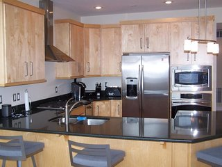 3 bedroom + loft / 3 bath unit. Nicely Furnished condo. 2 single car garages. Ga