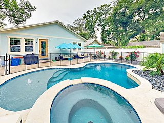 Brand-New 3BR Luxury Home w/ Pool, Hot Tub & Gourmet Kitchen