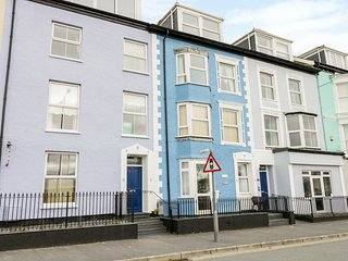 OTAGO 3, open-plan, sea views, second floor, in Aberdovey