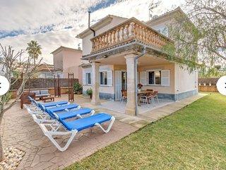 Goleta - modern chalet a few meters from Playa de Muro for 5 guests