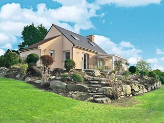 2 bedroom Villa in Pleumeur-Bodou, Brittany, France : ref 5436285