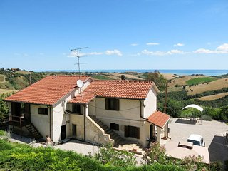 6 bedroom Apartment in Cologna Paese, Abruzzo, Italy : ref 5687666