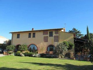 5 bedroom Villa in Poggio Tondo, Tuscany, Italy : ref 5687682