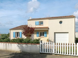 2 bedroom Villa in Angles, Pays de la Loire, France - 5448077