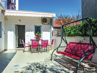 2 bedroom Apartment in Kaštel Novi, Splitsko-Dalmatinska Županija, Croatia : ref