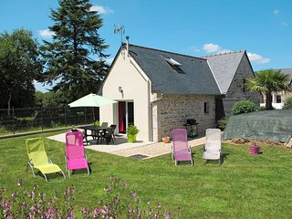 3 bedroom Villa in Kerahet, Brittany, France : ref 5438163