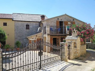 2 bedroom Villa in Modrusani, Istarska Zupanija, Croatia : ref 5439758