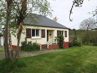 3 bedroom Villa in Port-Blanc, Brittany, France : ref 5436348