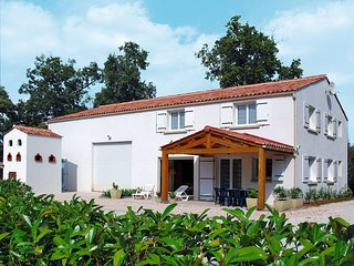 4 bedroom Villa in Le Givre, Pays de la Loire, France - 5448098