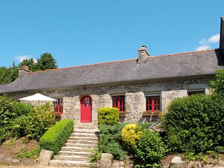 2 bedroom Villa in Plouégat-Moysan, Brittany, France : ref 5438337