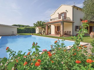 2 bedroom Villa in Quattro Strade, Tuscany, Italy : ref 5686648